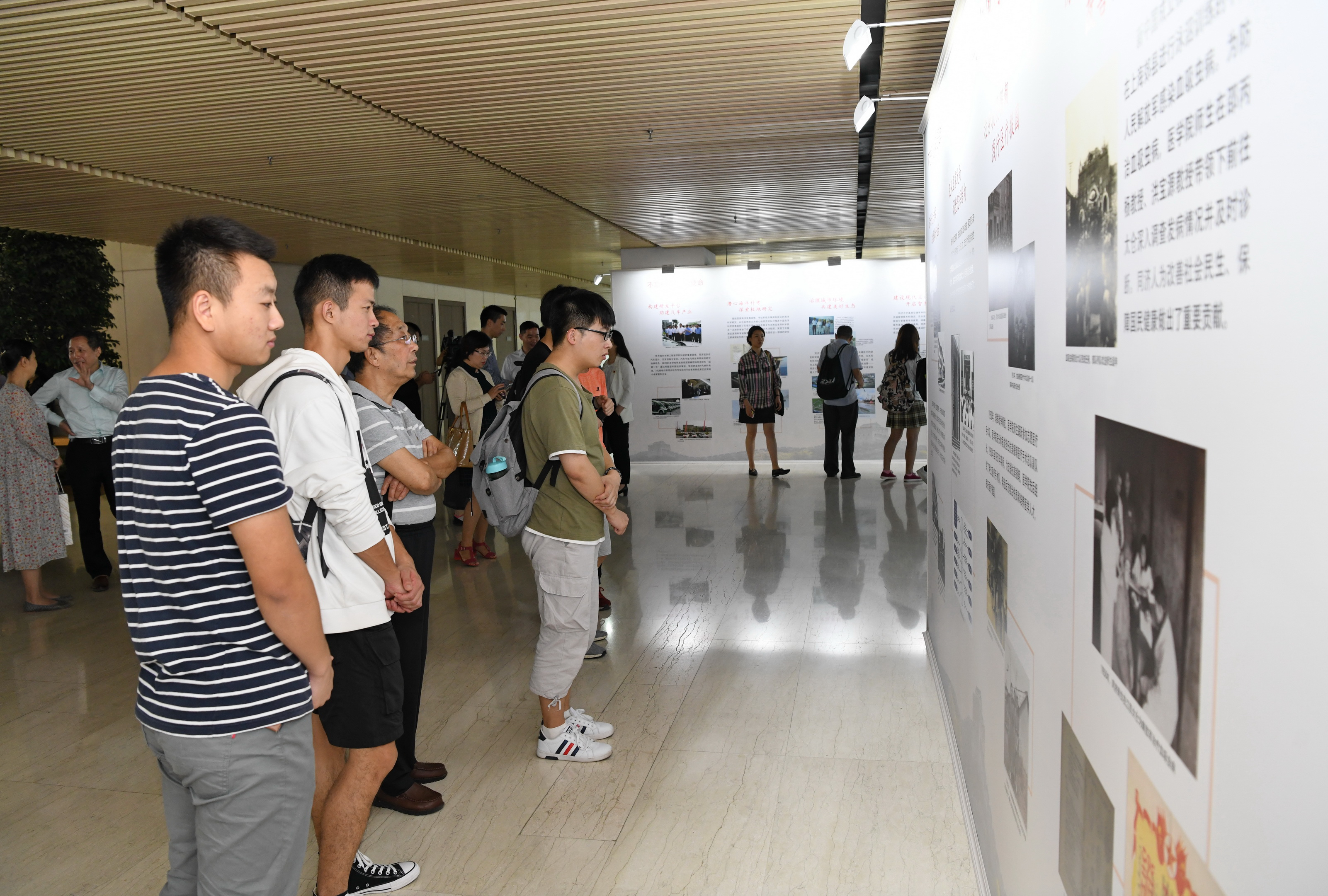 《山河行过首播中的同济大学》,于9月29日在上海电视台抗战.长春室内攀岩哪里好图片